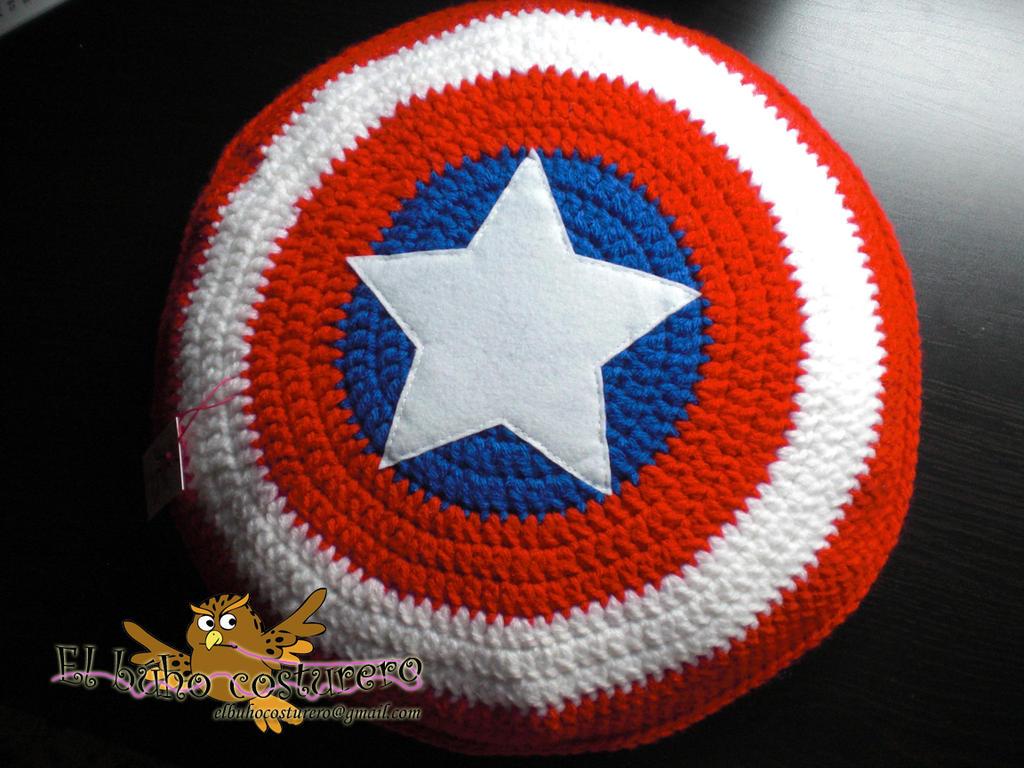 Captain america shield, handmade pillow by elbuhocosturero