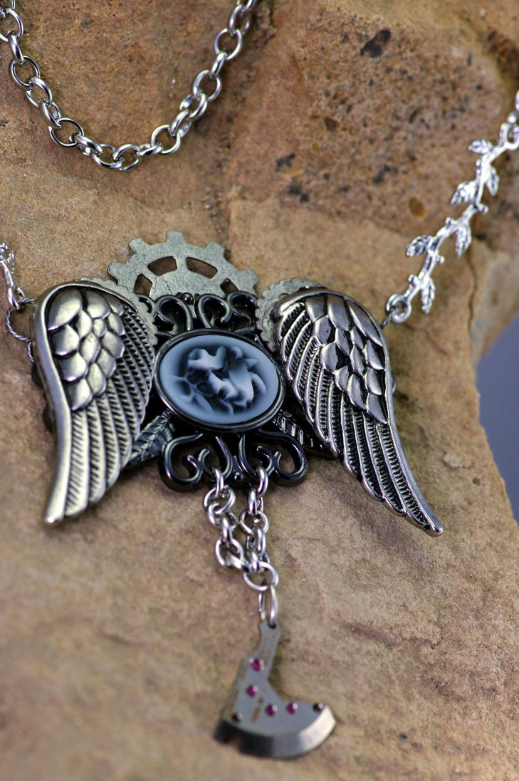 Steampunk -gothic- Vintage Flight necklace by MonstersInThewall