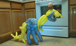 Balloon Derpy and Muffin