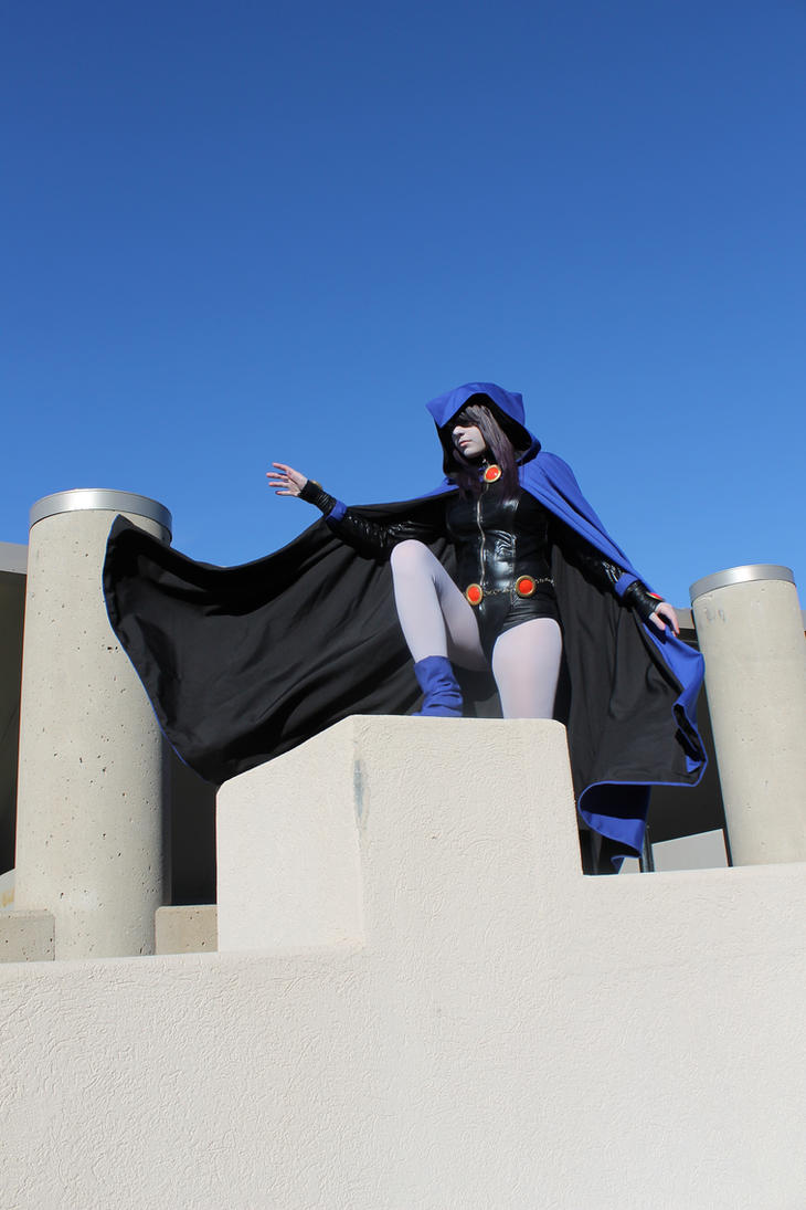 Raven Cosplay - On the Rooftops by Juliana-Nasome