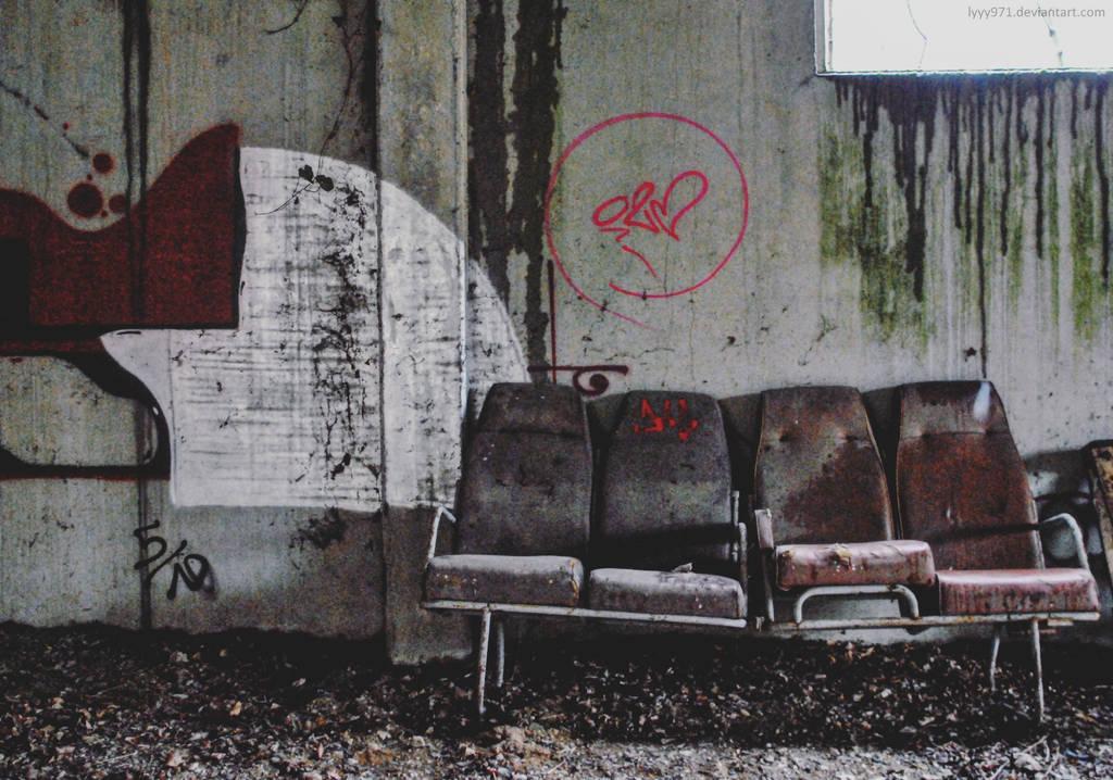 Sit down by lyyy971
