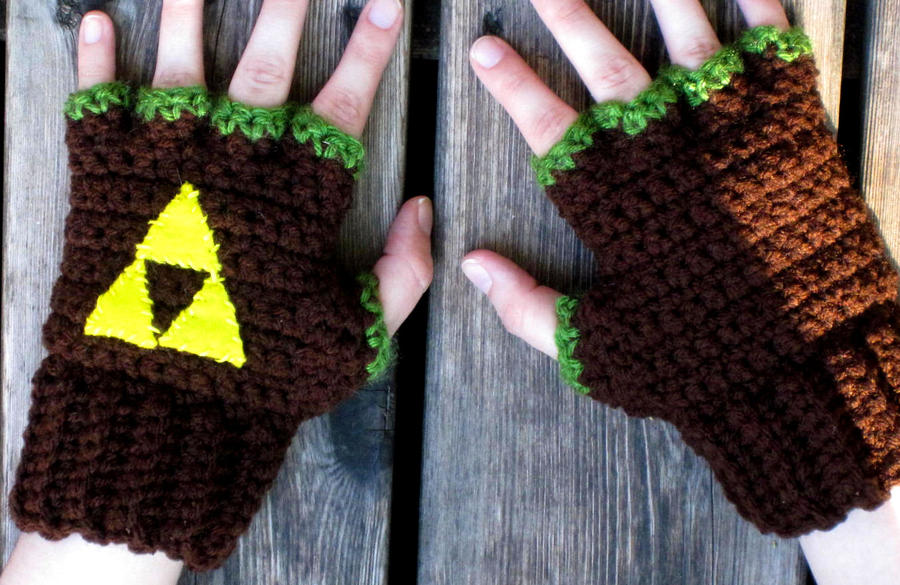 LoZ: Hero of Time Fingerless Gloves by Phantasmfreud