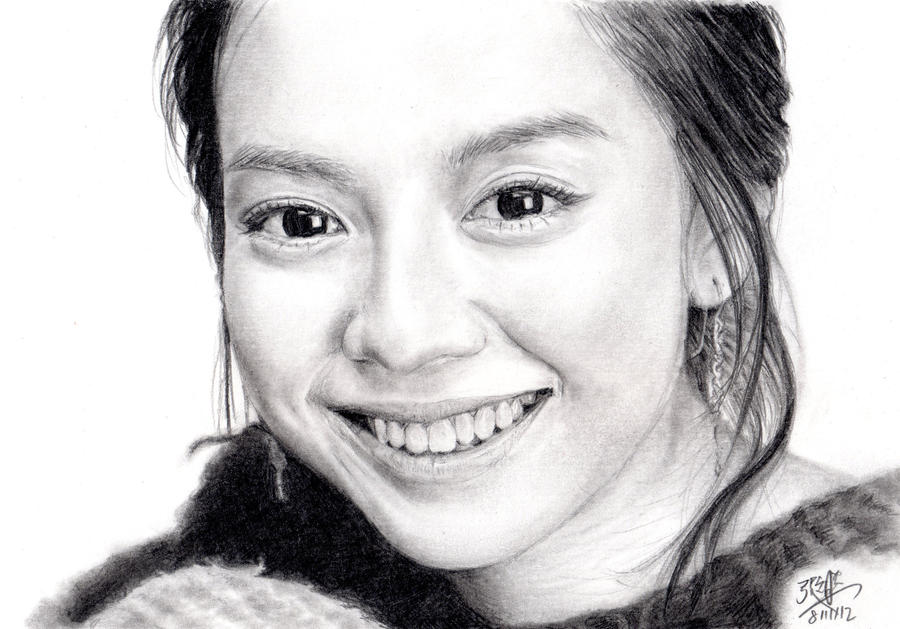 Pencil Portrait of Korean actress Song Ji-Hyo by chaseroflight