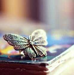 fly away by ZoeWieZo