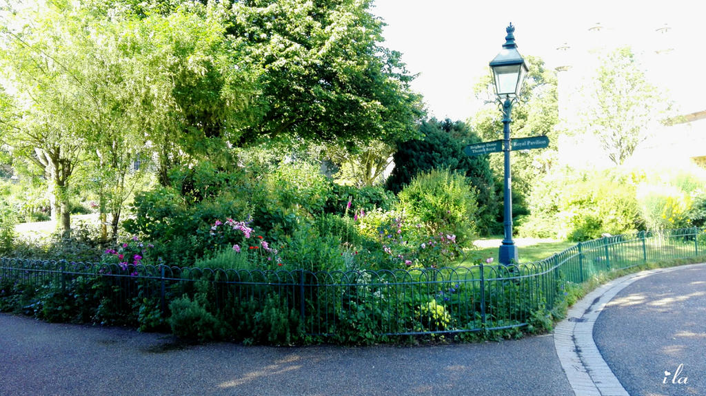 Trip to England: Royal Pavilion 3, the garden by ila297