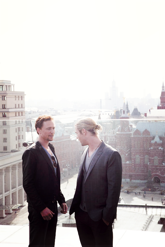 Tom Hiddleston and Chris Hemsworth by chiaratippy on ...