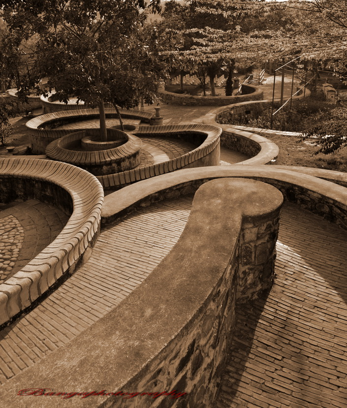 Serpentine alleys by naveenbanga