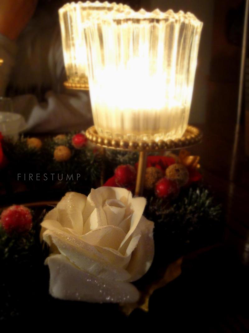 Plamen  svece - Page 3 Merry_christmas_2011_by_firestump-d4k55p3