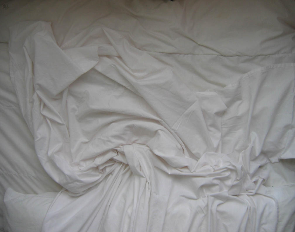 White Comforter Black Bed Sheets