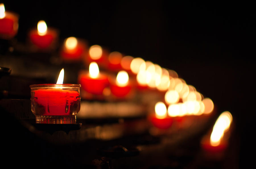 Plamen  svece - Page 3 Glowing_candles_by_kauf_mich-d4lh30o