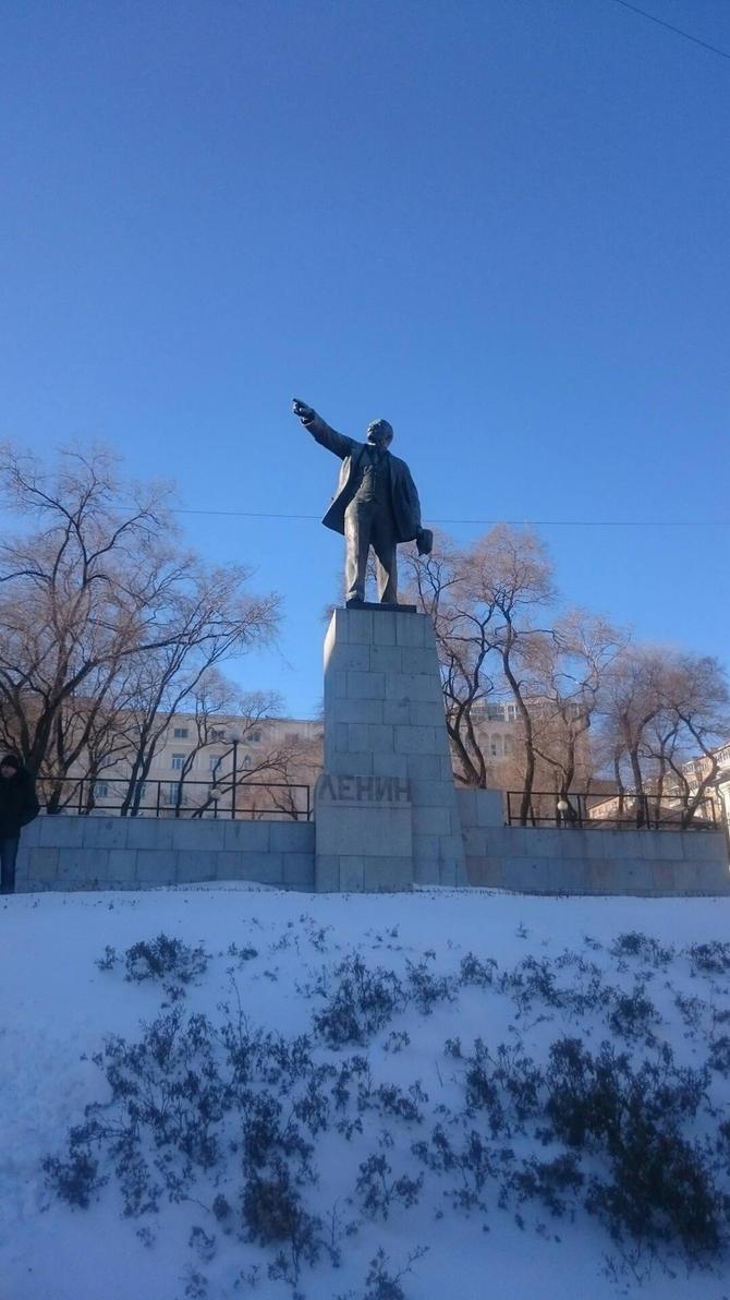 Vladivostok Lenin by crowhitewolf