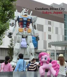 Party Gundam? by caliaponia