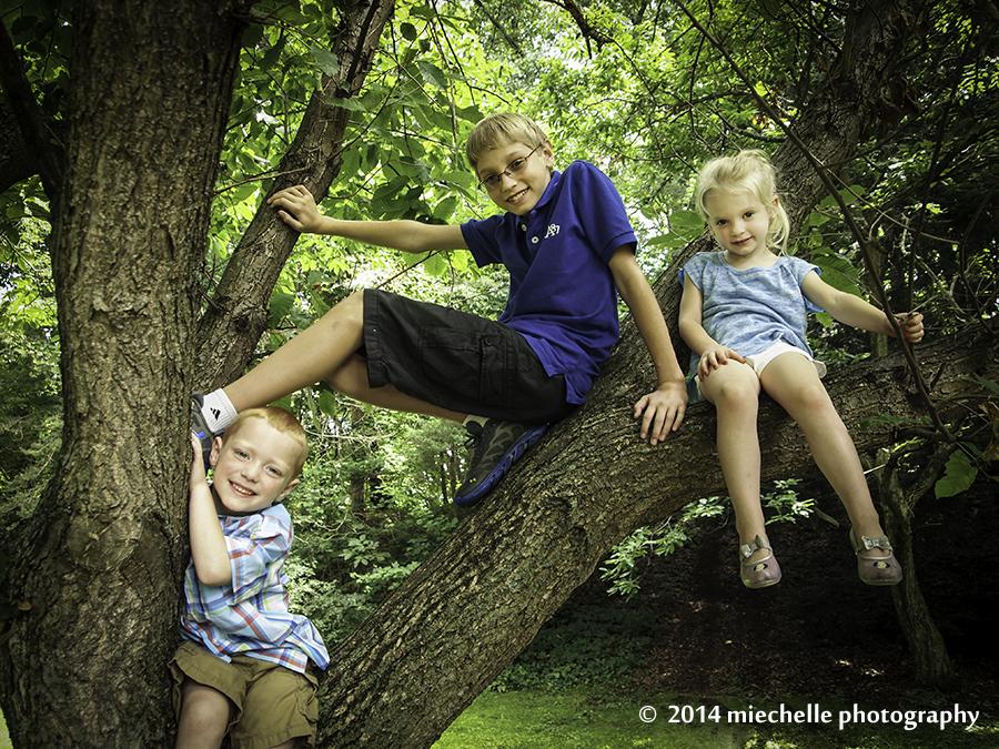 kids in a tree by mishkuu