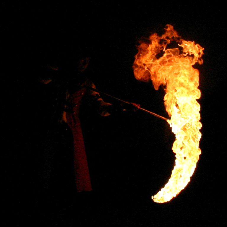 Ficha de Ryouta Giant_Scythe_of_Fire_by_MattTheSamurai