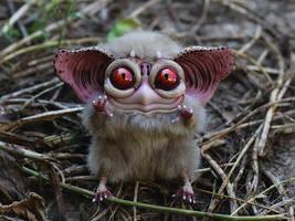 Sowl mini beige devil by Santani