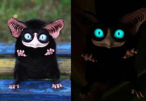 Sowl Big: Black (glow eyes)