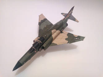 McDonnell Douglas F-4E Phantom II 1:72 Scale by LoneStarMangaka