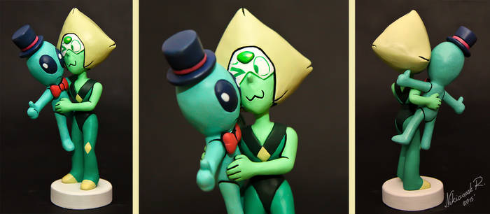 Sculpture commission: Peridot with alien plushie