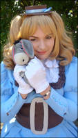 Lizzy loves Eeyore by Kipizette