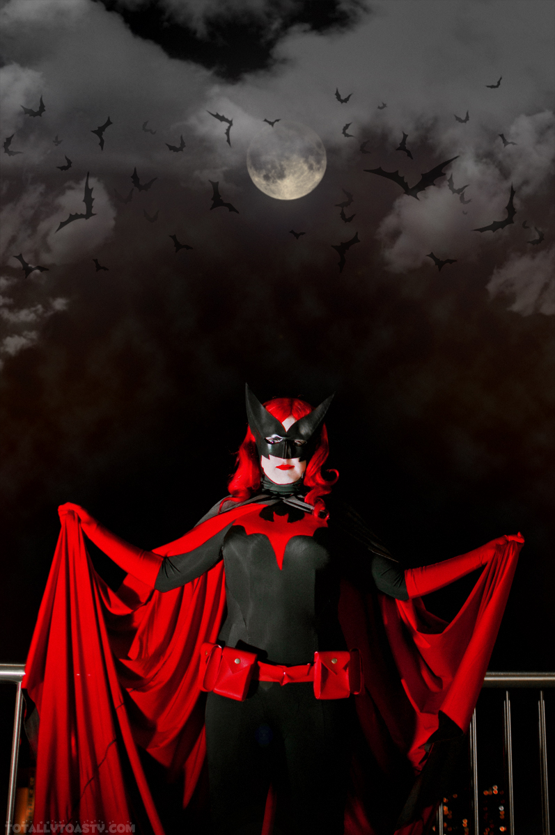 Batwoman by NsomniacArtist