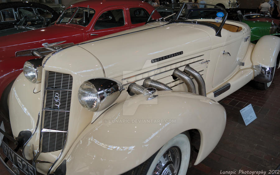 1935 Auburn 851 by Lunapic