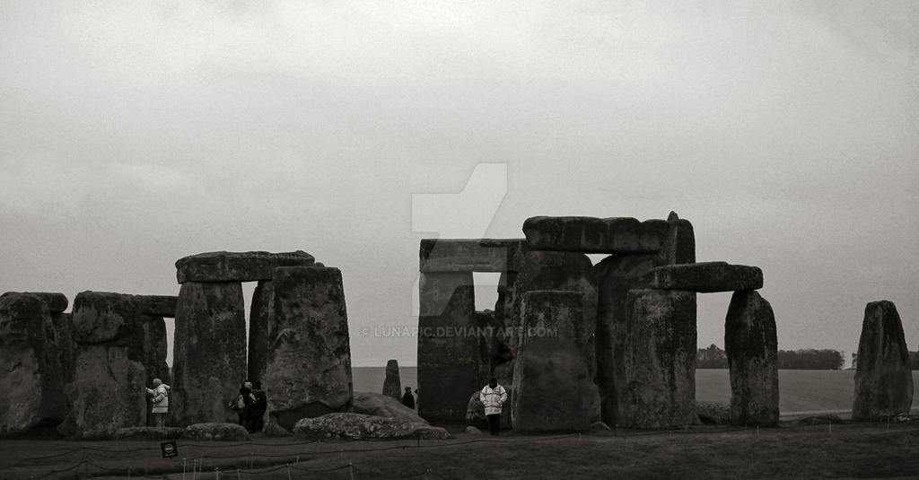 Morning Stonehenge by Lunapic