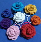 Crochet rose hairties by Nanahuatli