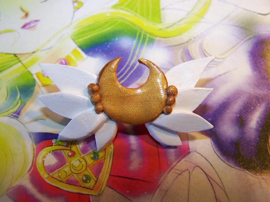 sailor moon eternal brooch deviantart