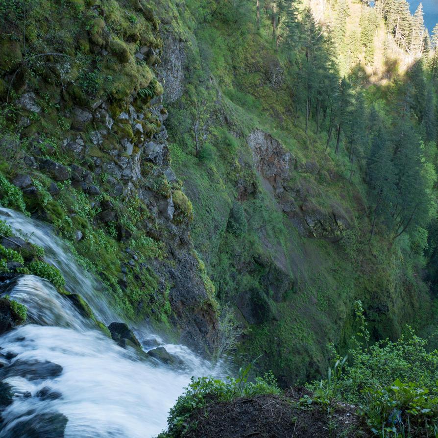Multnomah Falls by the3dman