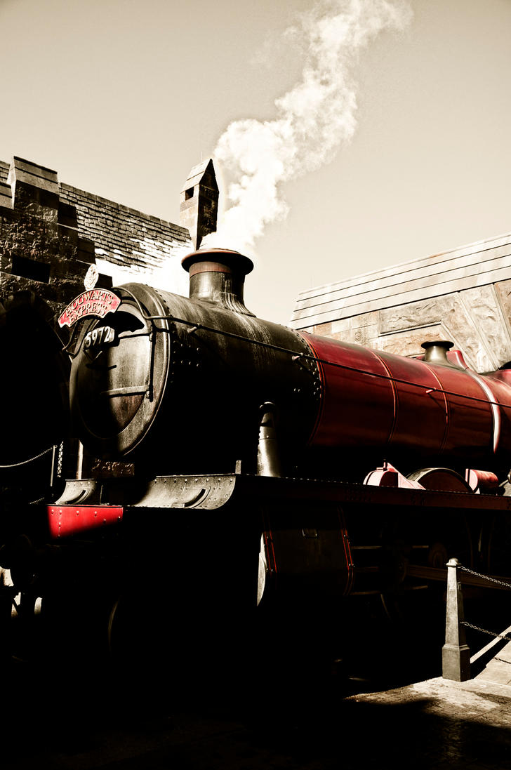 Wizards's Main Station Hogwarts_express_by_real_nela-d34o25m