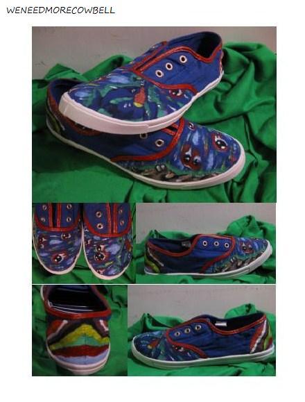 http://fc00.deviantart.net/fs70/f/2012/080/2/e/garchomp_pokemon_shoes_by_weneedmorecowbell-d4tir1v.jpg