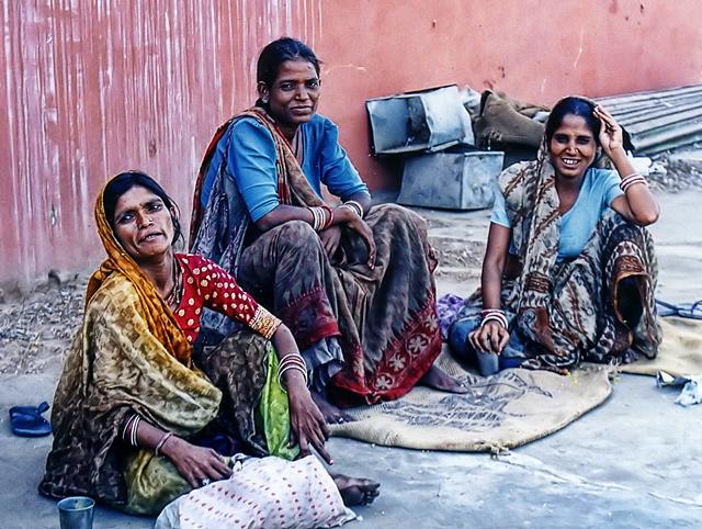 Three Women in color by zvegi