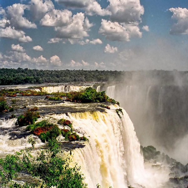 Iguazu by zvegi