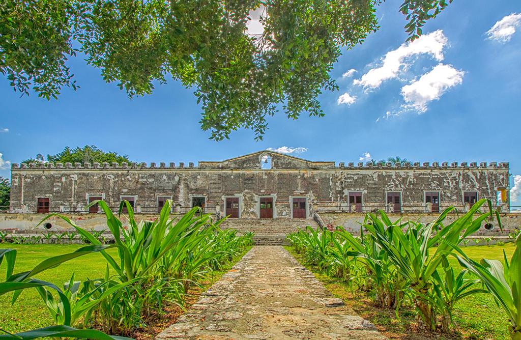 Hacienda Yaxcopoil by Vanimelir