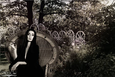 Morticia Addams | Pia Douwes | Black and White |