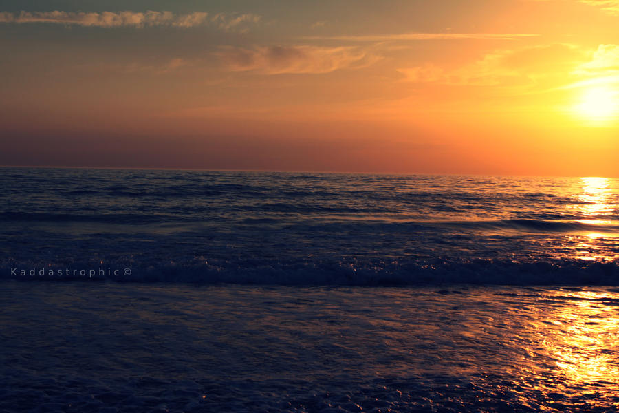 The Sun Falls by Kaddastrophic