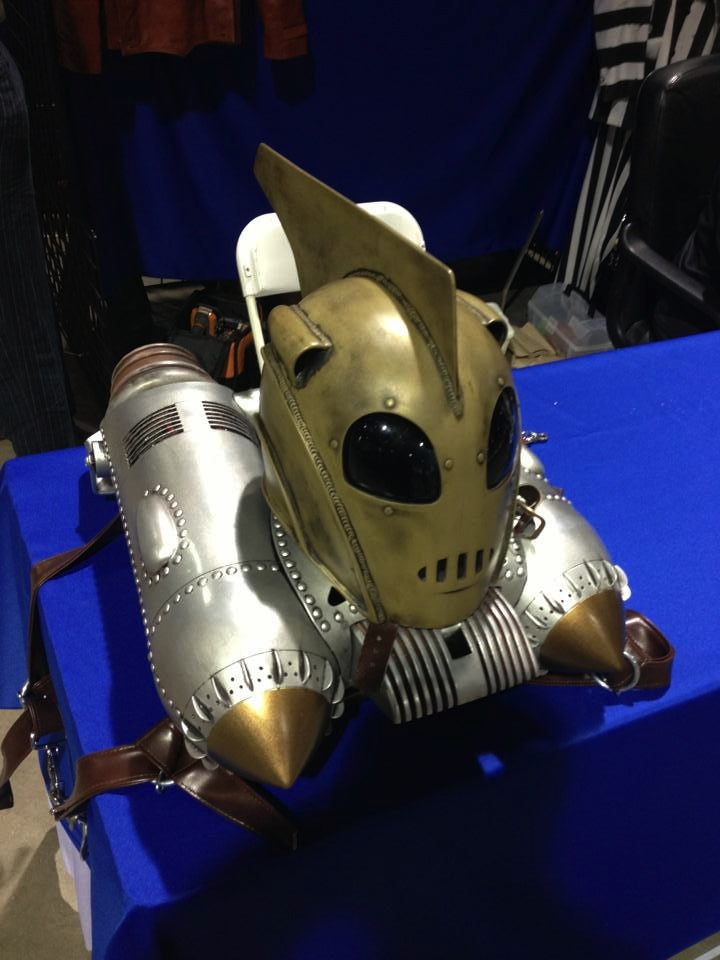 List of Synonyms and Antonyms of the Word: rocketeer jetpack