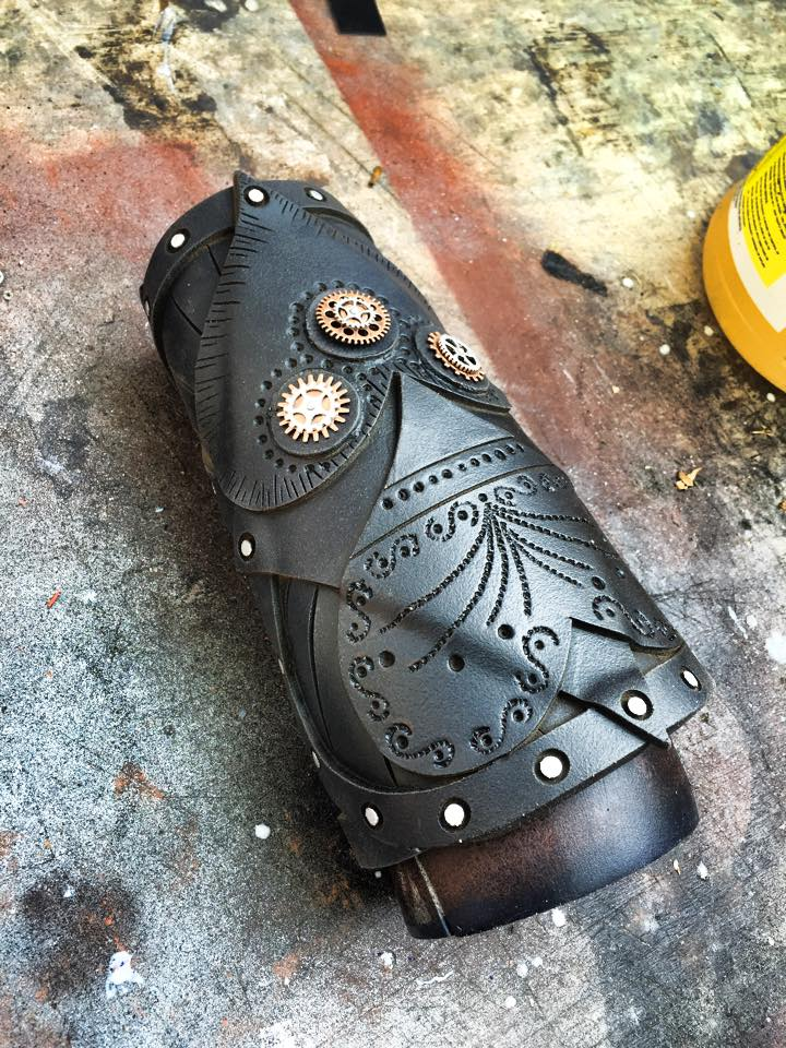 Gauntlet for Hatter Madigan by Mrpinski