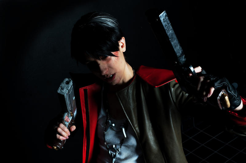 Dante DmC5 Cosplay: Insanity by Abessinier