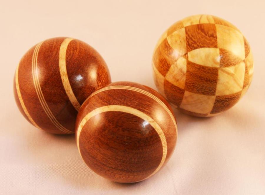 laminated balls by U140