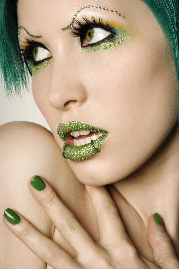 Green diamond lips. - Full. by Ryo-Says-Meow