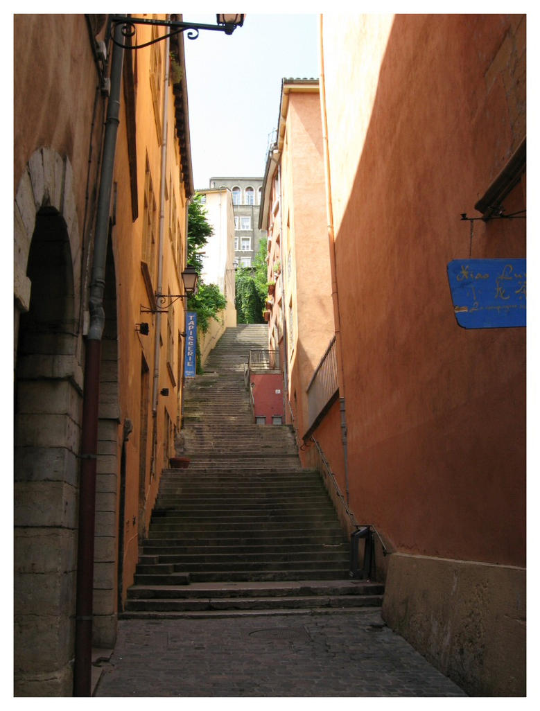 Stairs in Lyon by dbug