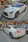 White GT-R