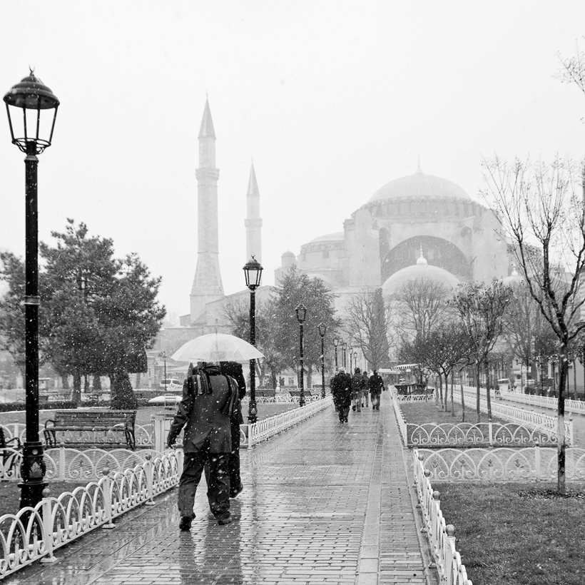 Snowy day in Istambul by shenik