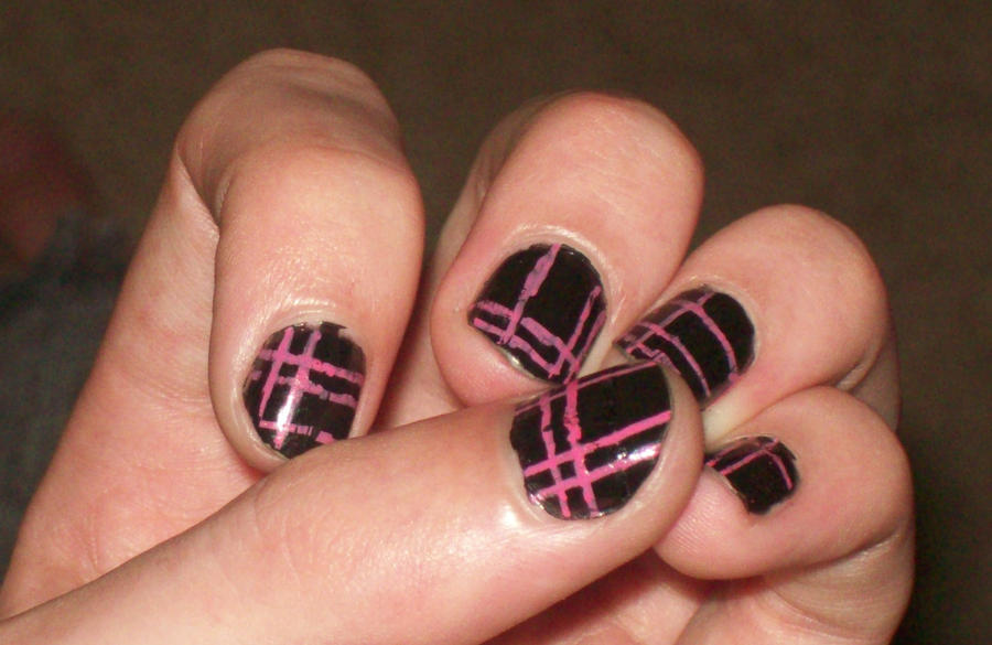 Pink And Black Plad Nail Art By Emokitty1234 On Deviantart
