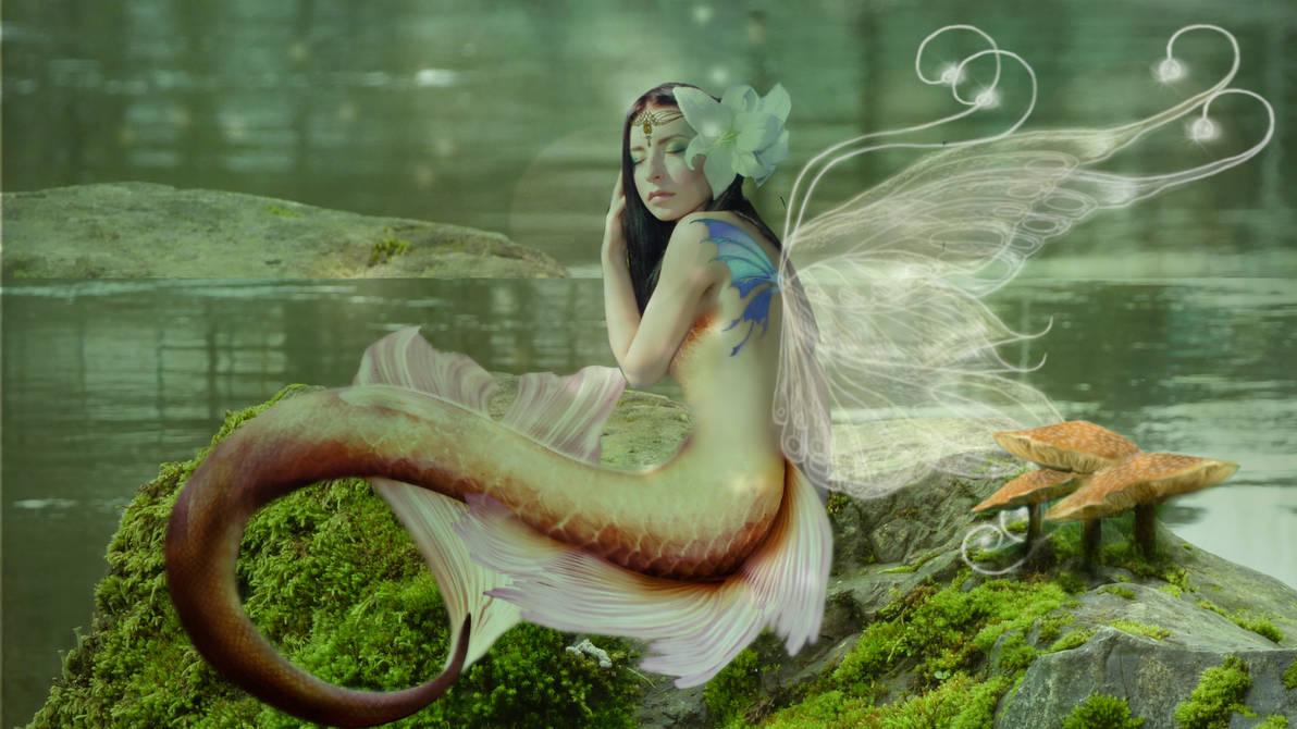 Butterfly Merfae Queen by clara-01
