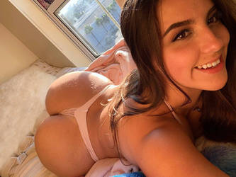 Brazilian DHD On Bed