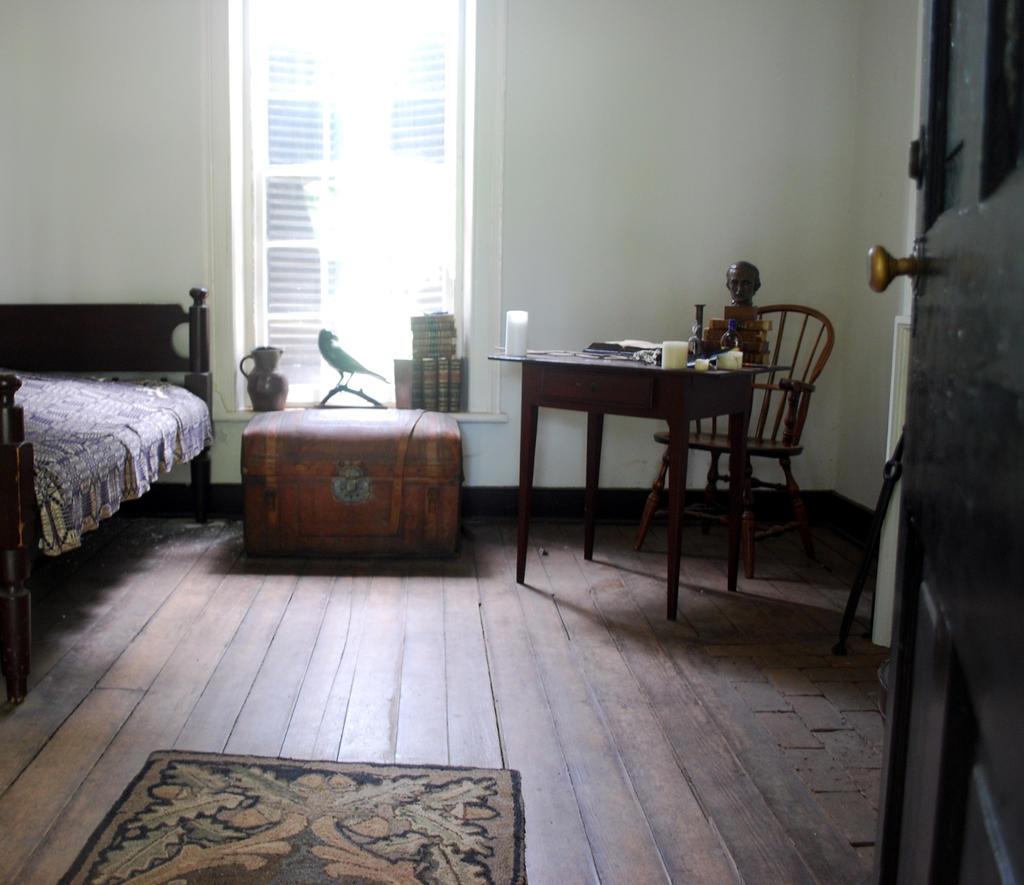 Edgar Allen Poe's Dorm Room