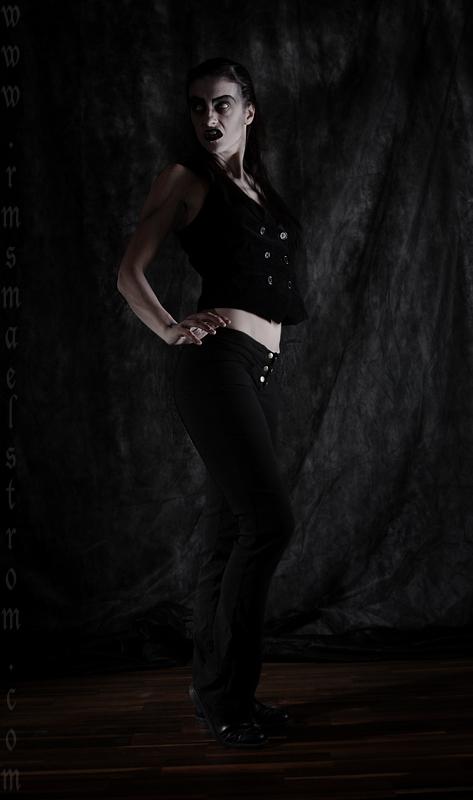 Tanz der Vampire: Black Vampire II by essie-morbide