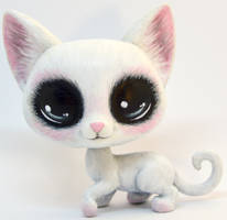 Blushing White Cat Custom LPS